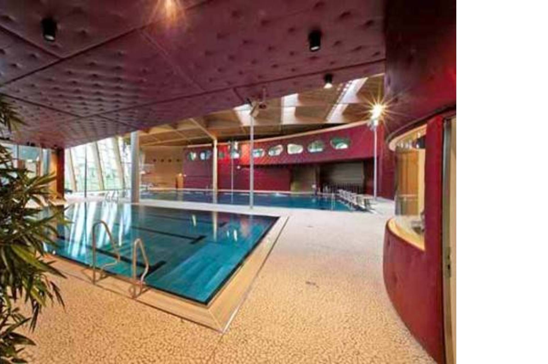 Les Thermes In Strassen Luxembourg Floornature