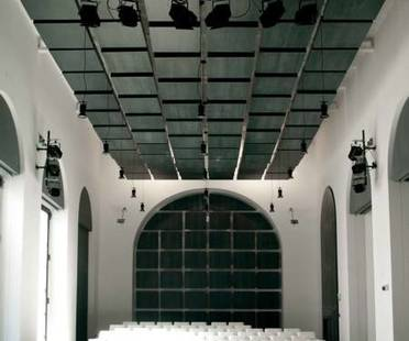 Alvisi Kirimoto Teatro dell'Accademia di Belle Arti in Naples
