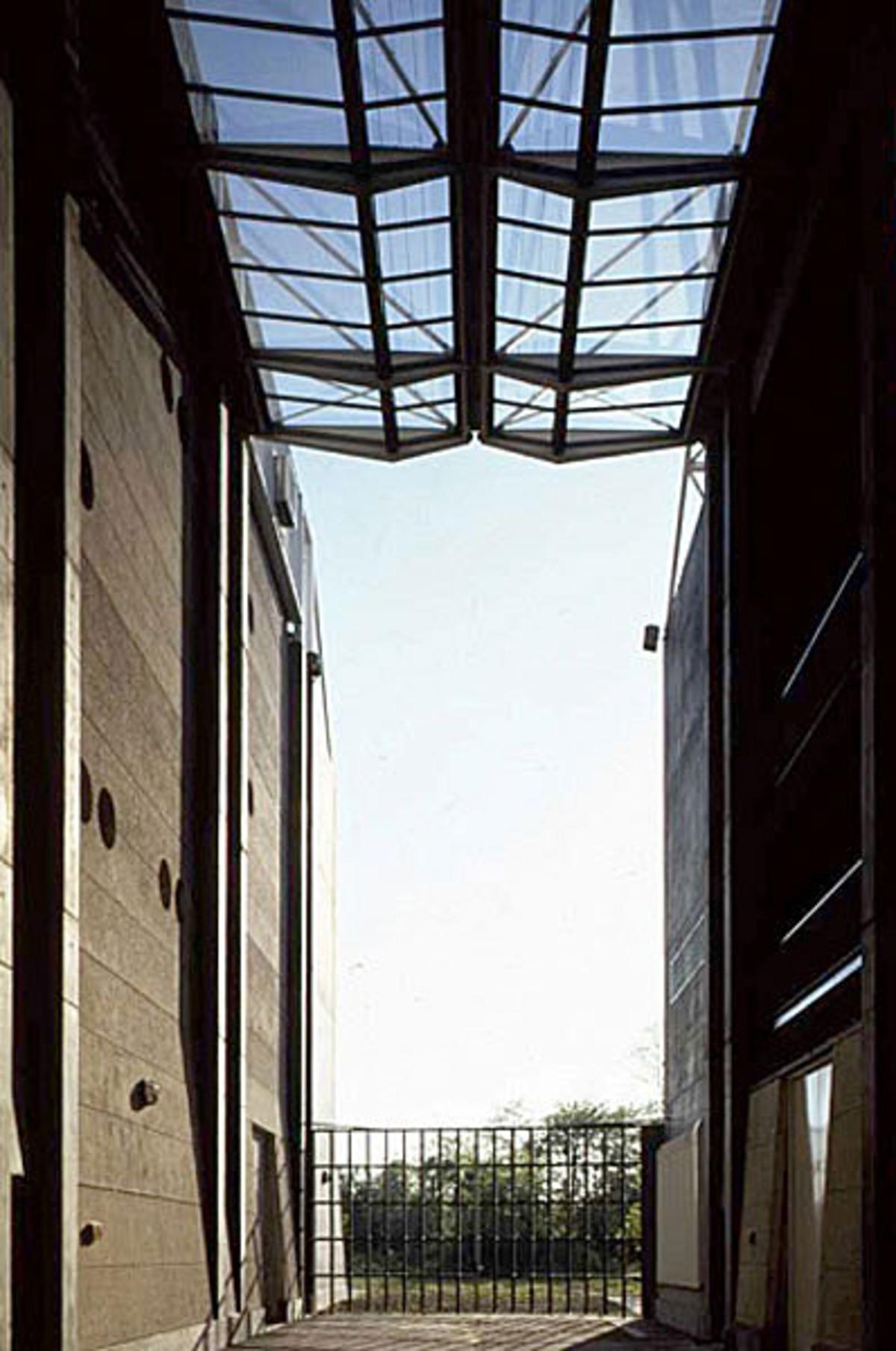 Noisy Le Grand Architecture architect christian hauvette is dead | floornature