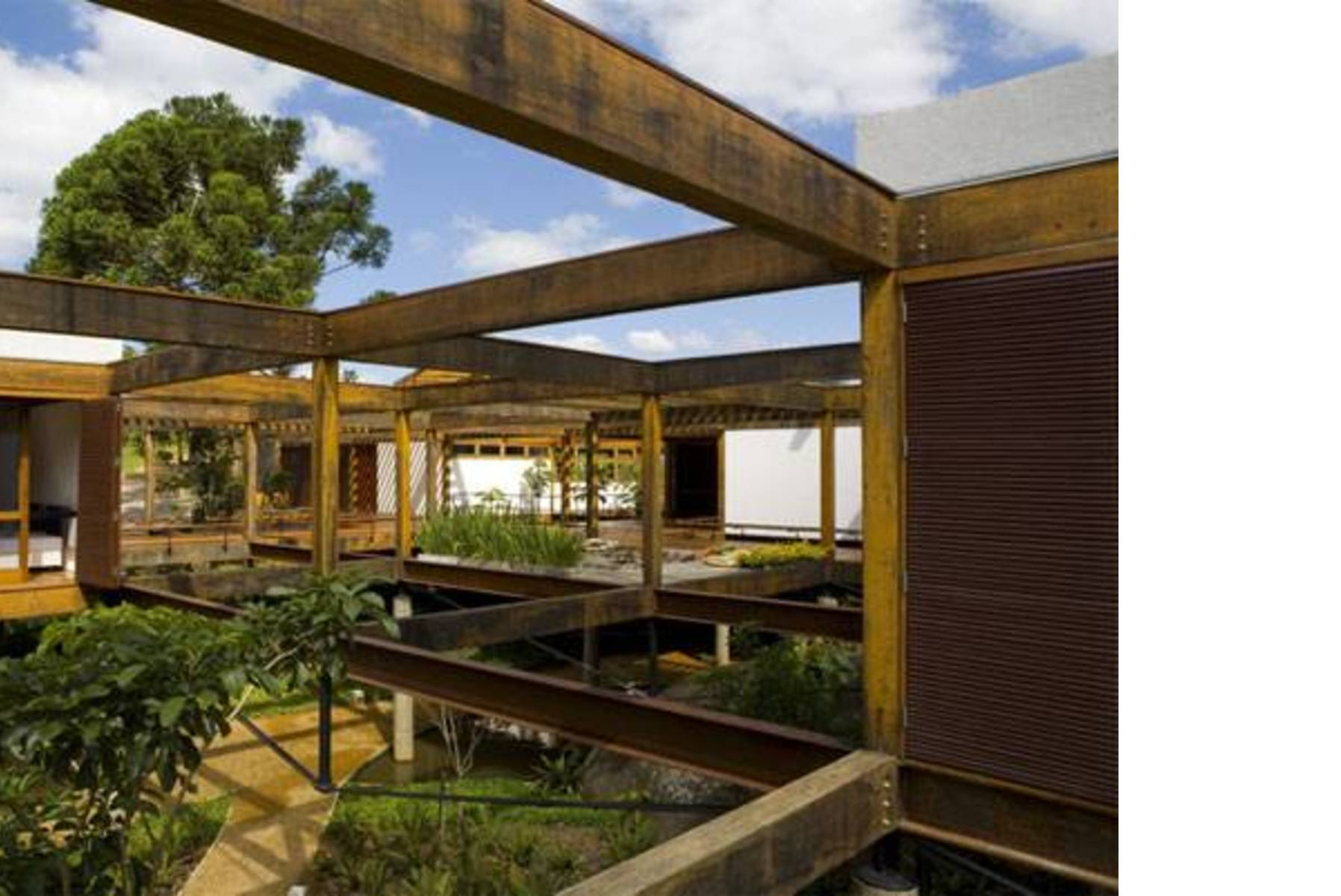 Forte Gimenes & Marcondes Ferraz Grid House   Floornature