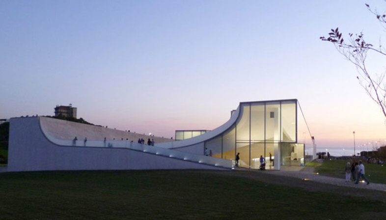 Steven Holl is awarded the 2012 AIA Gold Medal