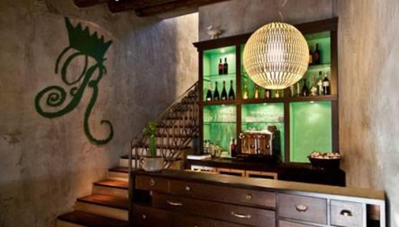 Salefino, interior design for Il Re di Girgenti restaurant