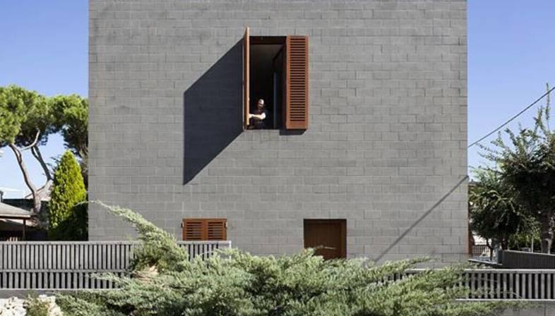 H arquitectes private house 804 floornature for Arquitectura minimalista casas