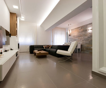 Porcelain stoneware tiles for interior design