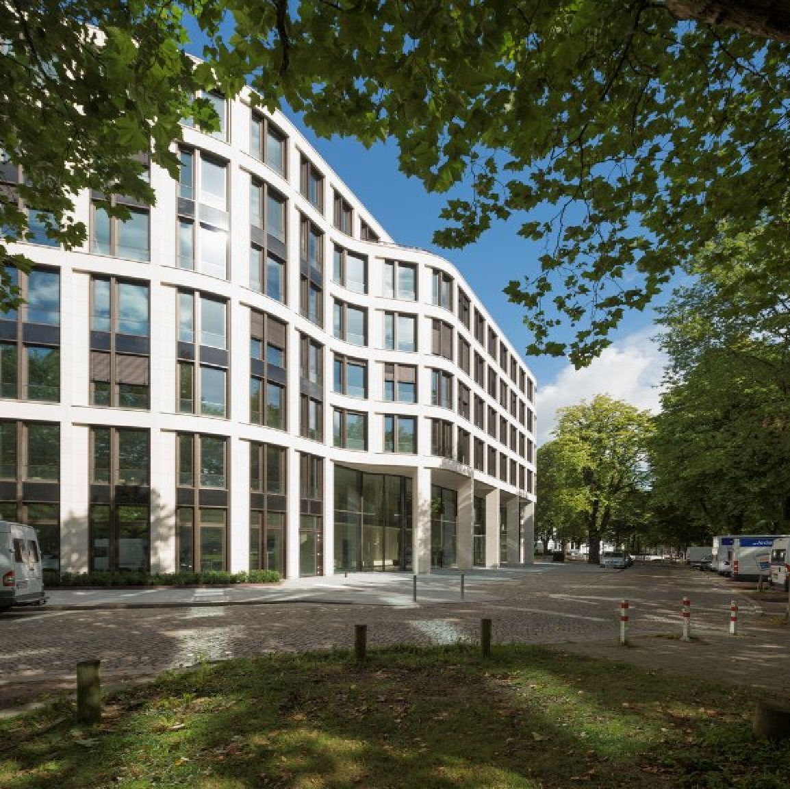Gmp Completes New Office Building In Hamburg Floornature