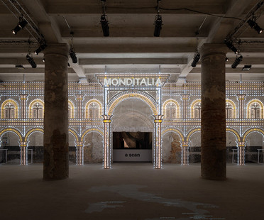 Monditalia stage for the 2014 Biennale of Dance in Venice