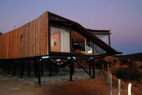 Kiltro House in Talca, Pencahue, Chile, by Supersudaka