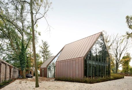 House VDV by Graux & Baeyens, a contemporary Flemish farmhouse