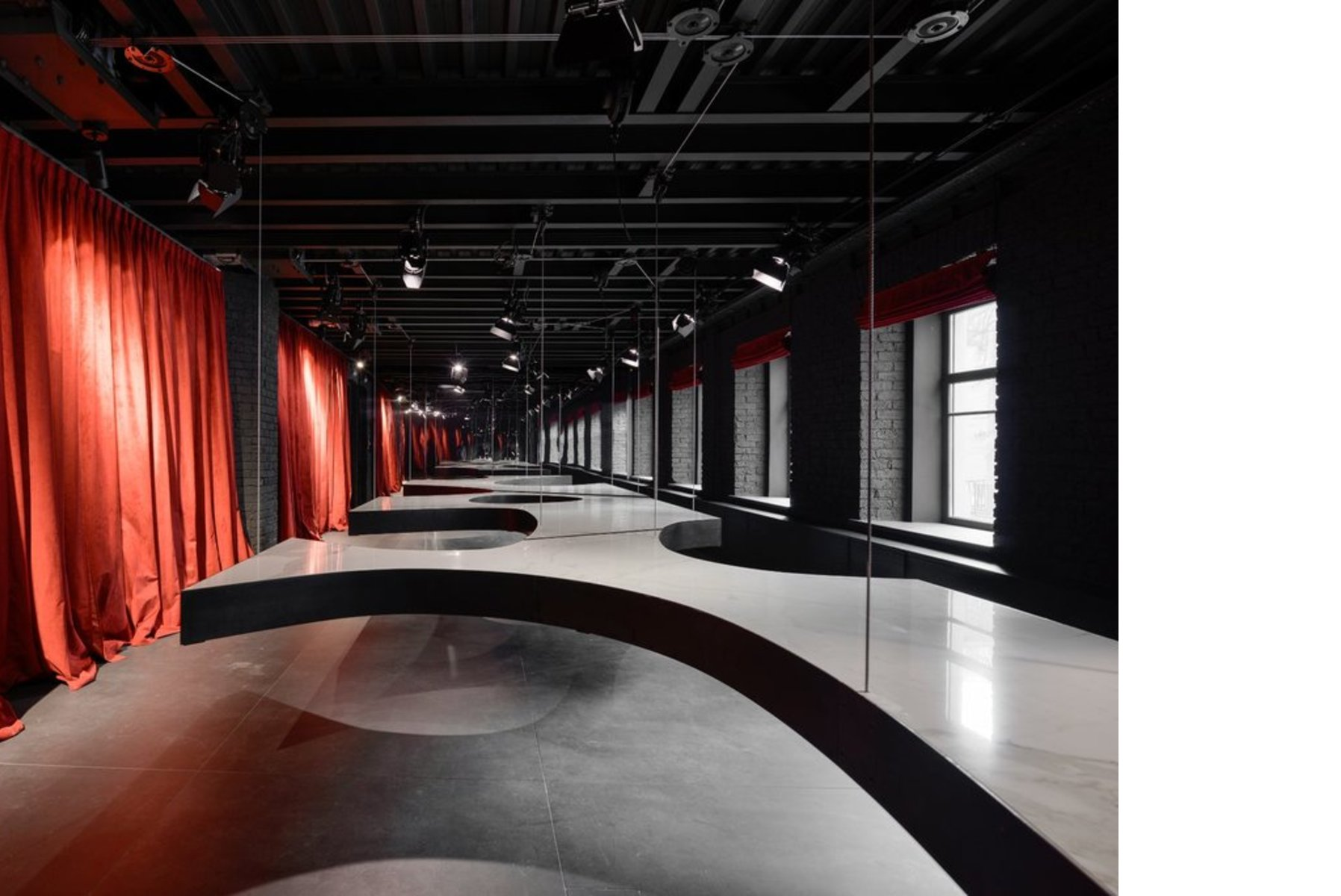 Iris Group SuperSurfaceSpace Gallery, designed by Metrogramma, Moscow