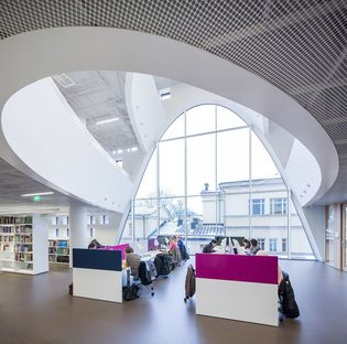 Anttinen Oiva and Helsinki University Main Library (Kaisa house)