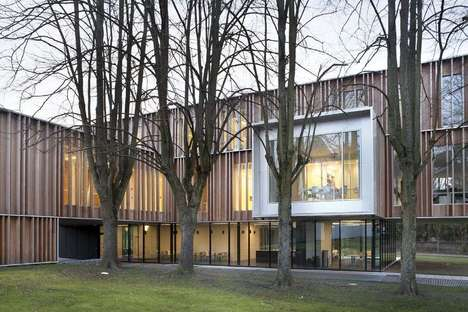 V+ e Bouwtechniek: expansion on Montigny-Le-Tilleul town hall