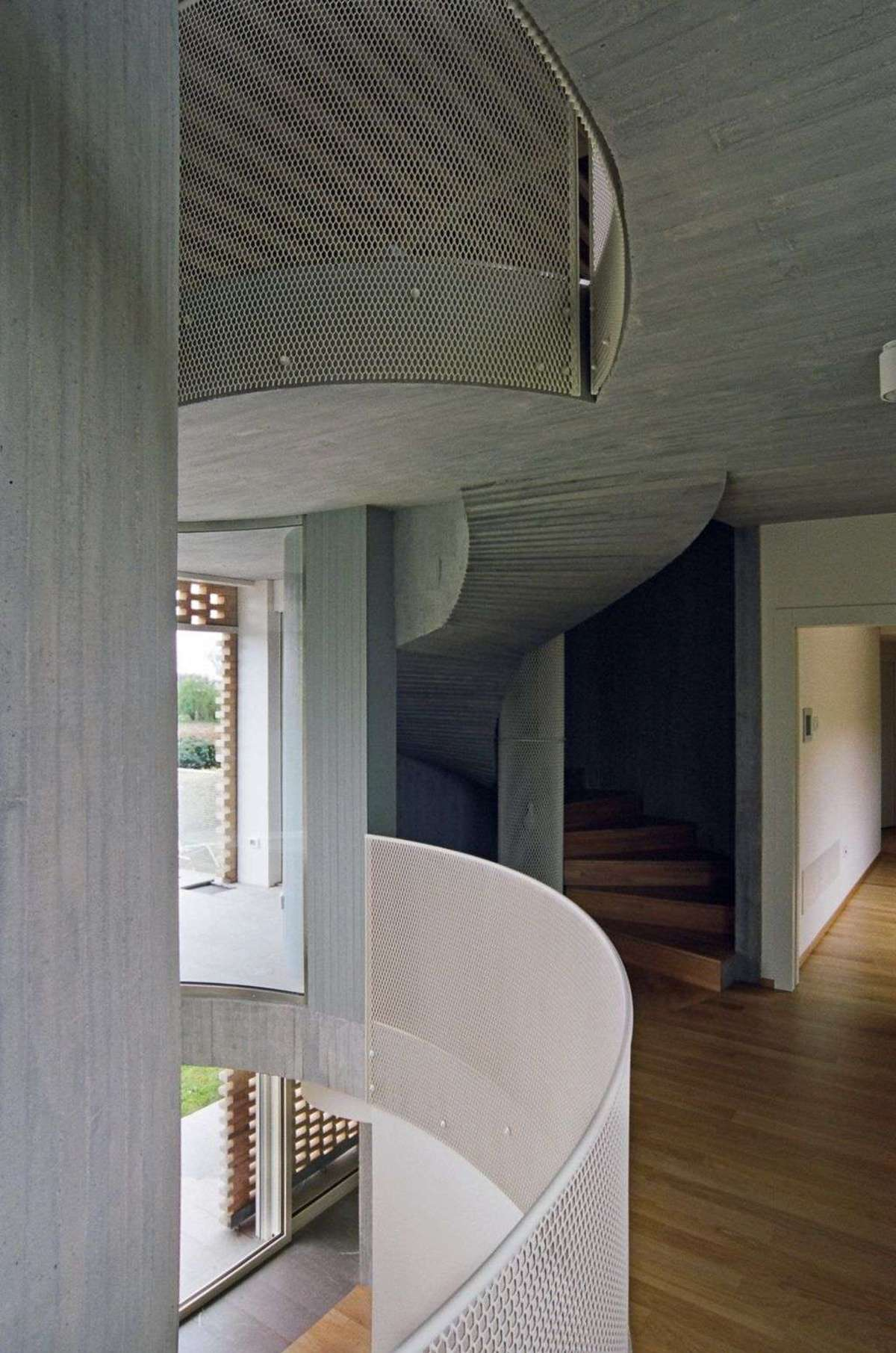 Elasticospa+3: The restoration of a country house in Salice
