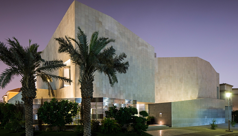 AGi Architects' wall house in Khaldiya (Kuwait City)