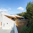 y+M: Folding wall - stepped floor house in Naruto City (Japan)