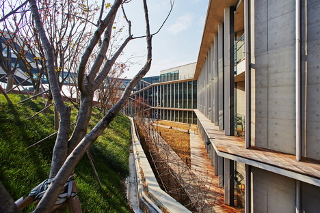 Kengo Kuma designs the Naver Connect One institute in Korea