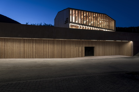 Mirko Franzoso: Community centre in Caltron for community identity