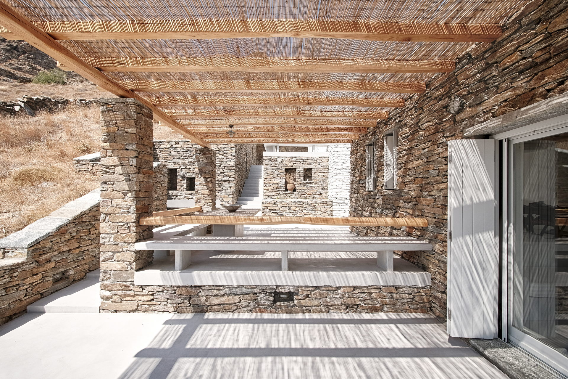 Cometa Architects: Rocksplit, house on the island of Kea in the Cyclades