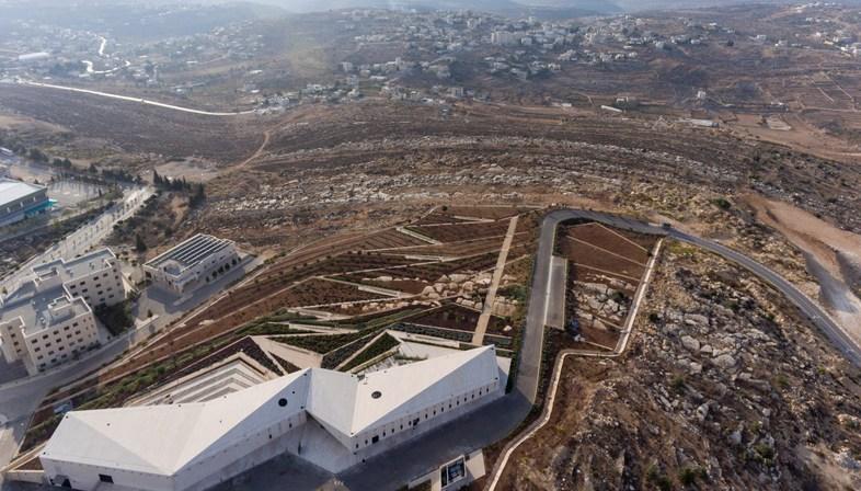 Heneghan Peng Architects: The museum of Palestine in Birzeit