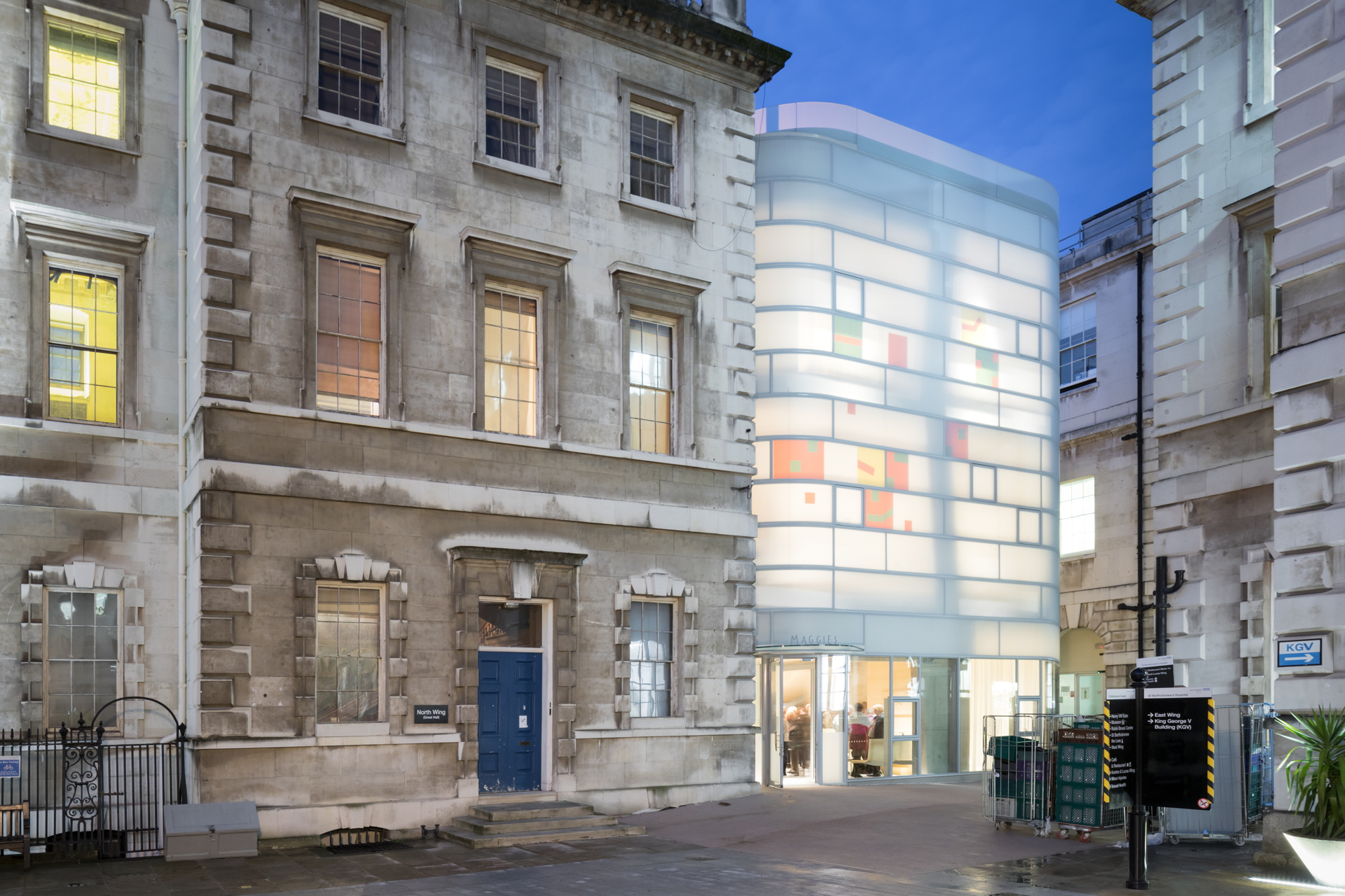 Steven Holl + jmarchitects: Maggie's Centre Barts London