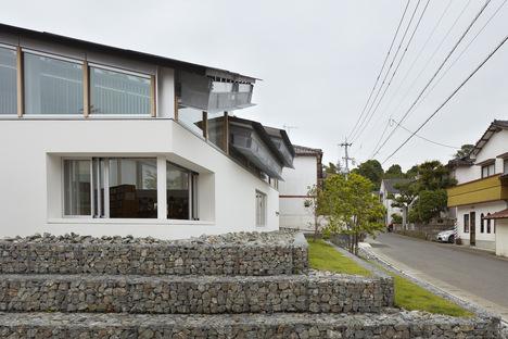 Takao Shiotsuka Atelier: Public library in Taketa, Japan