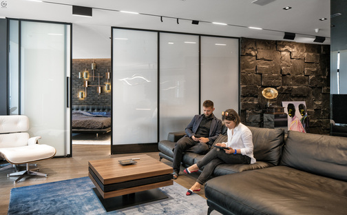 33 by architecture: Black is back, apartment in Kiev