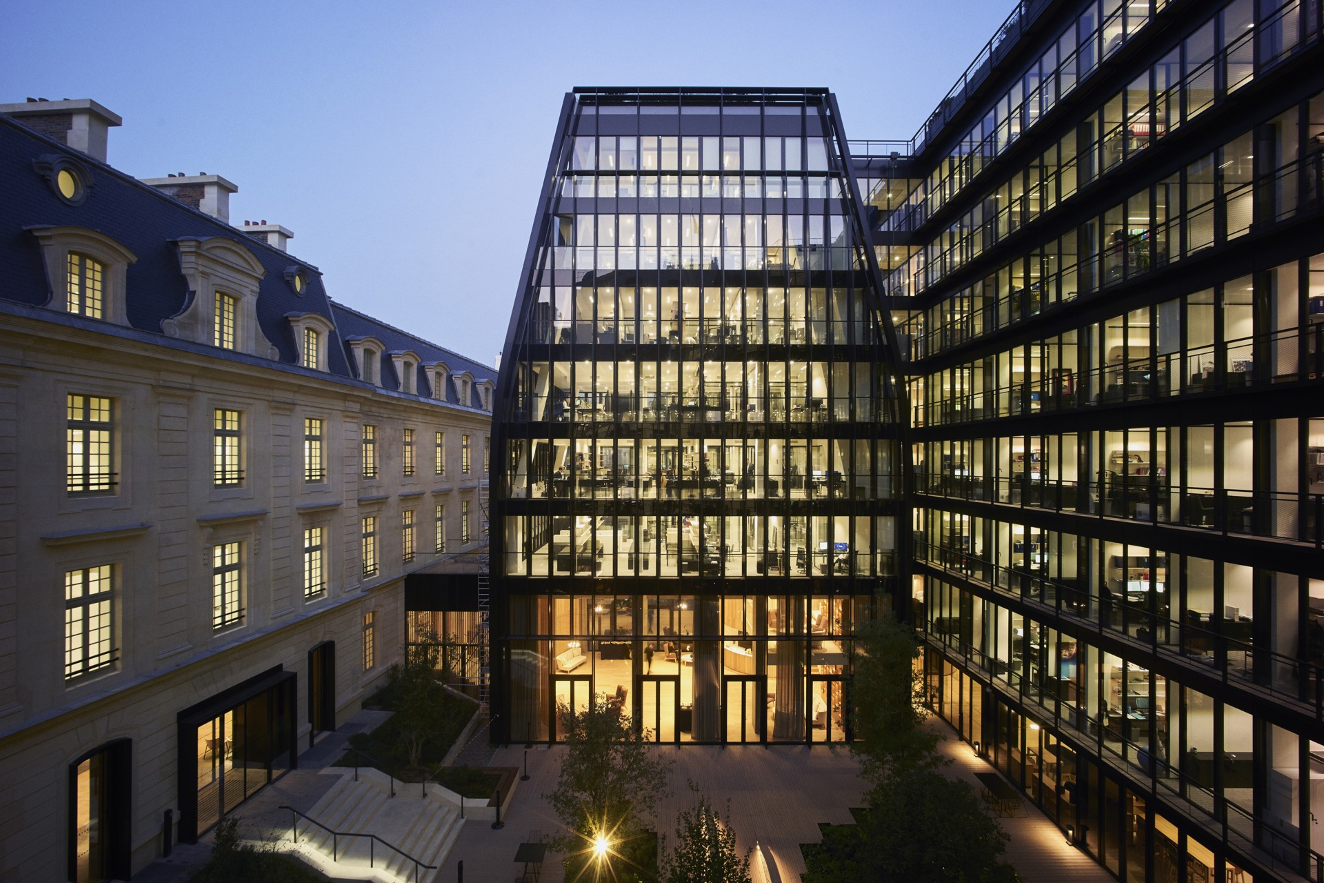 Pcastream Laborde Conversion Of The Barracks Of The Royal Guard In Paris Into Office Space Floornature