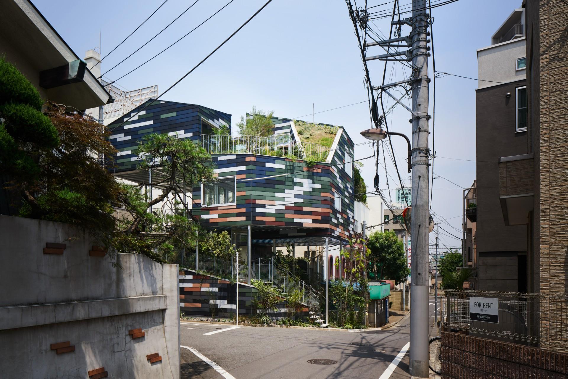 Akihisa Hirata: Overlap House in Tokyo | Floornature