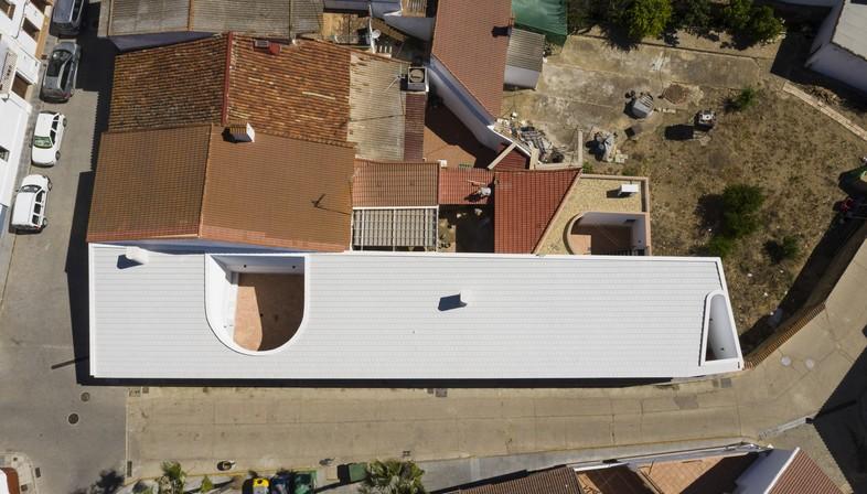 Studio Wet: Borrero House in Alosno and critical pragmatism