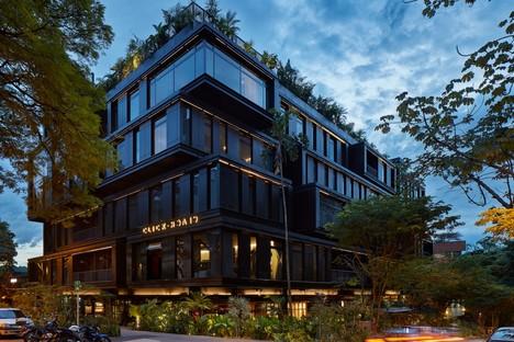 Plan:b arquitectos: Hotel Click Clack in Medellín