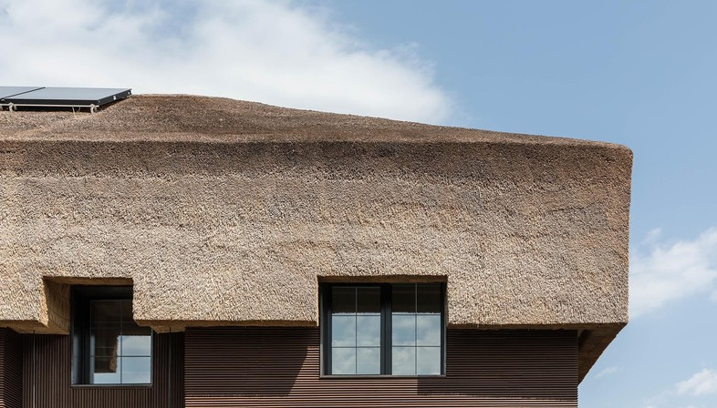 Sergey Makhno's Shkrub: twelve stories about a house with a thatched roof