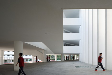 Trace Architecture Office: Huandao Middle School, Haikou