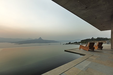 Khosla Associates: Refuge in the Western Ghats, Maharashtra, India