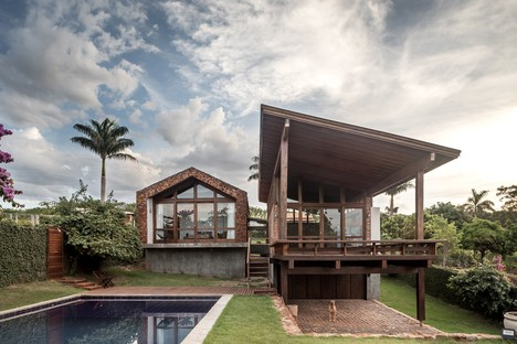 Lake House by Solo Arquitetos