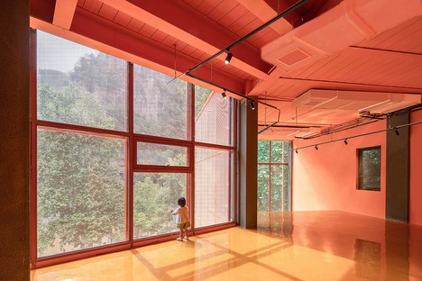 3andwich Design / He Wei Studio: Renovation of Arsenal 809