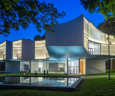 Steven Holl: Winter Visual Arts Building in Lancaster, Pennsylvania