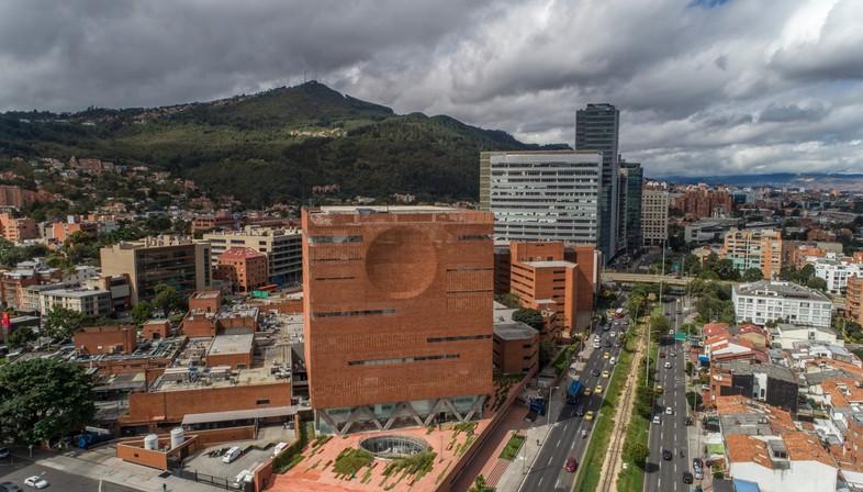 El Equipo Mazzanti: Expansion of Fundacion Santa Fe hospital in Bogotà