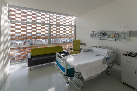 El Equipo Mazzanti: Expansion of Fundacion Santa Fe hospital in Bogotà