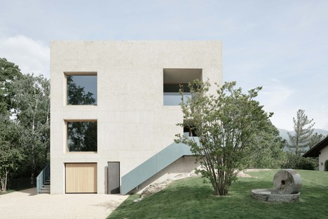 """Archisbang: """"Il Generale"""" home in Ivrea, Italy"""