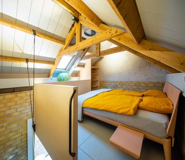 Lautenbag: Transformation House, a hiker's cabin