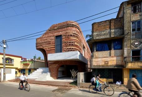 Abin Design Studio: Gallery House in Bansberia, West Bengal, India