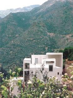 Sebastian Irarrazaval Delpiano (with  Guillermo Acuña Rivas) <br> Three Chilean homes