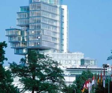 Behnisch and Partner: Norddeutsche Landesbank<br> Hanover, Germany, 2002