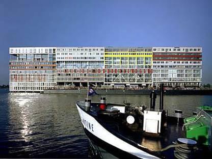 MVRDV: De Silodam, Amsterdam, 1995-2002