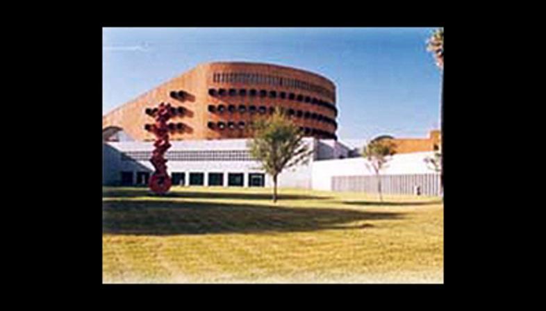 Ricardo Legorreta Arquitectos<br> Magna Solidaridad Library, Monterrey, Mexico, 1994