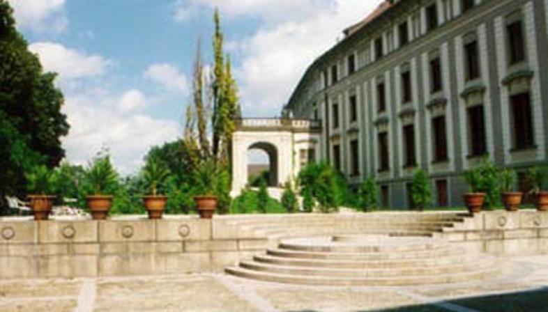 Borek Sípek<br>The new Art Gallery in Prague Castle, 1996