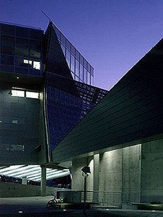 Morphosis: Hypo Alpe Adria Bank, Klagenfurt, Austria