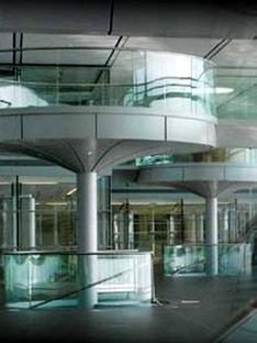 McLaren Technology Centre<br> Norman Foster, London 2002