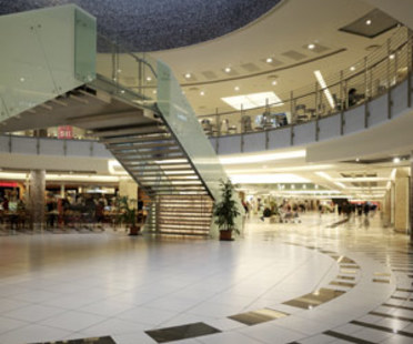 Parco Leonardo Shopping Centre