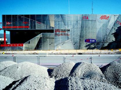 Renzo Piano. Luna Rossa Base. Valencia, 2006