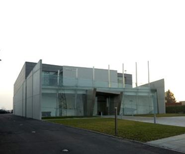 Studio UAU. Centro direzionale Hitech Systems. Leinì, Torino, 2006